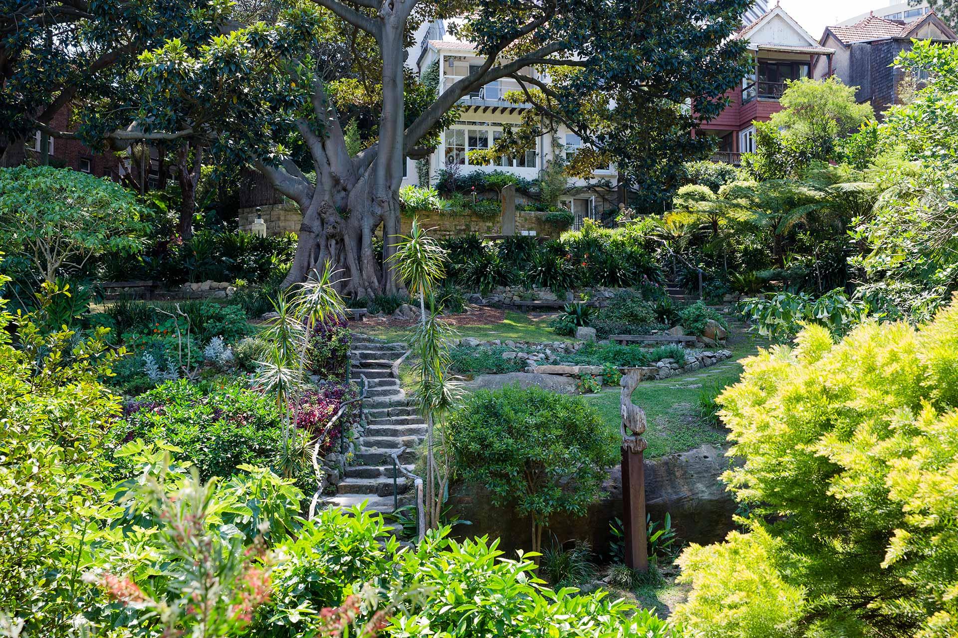 Location wendy 39 s secret garden for Landscape gardeners